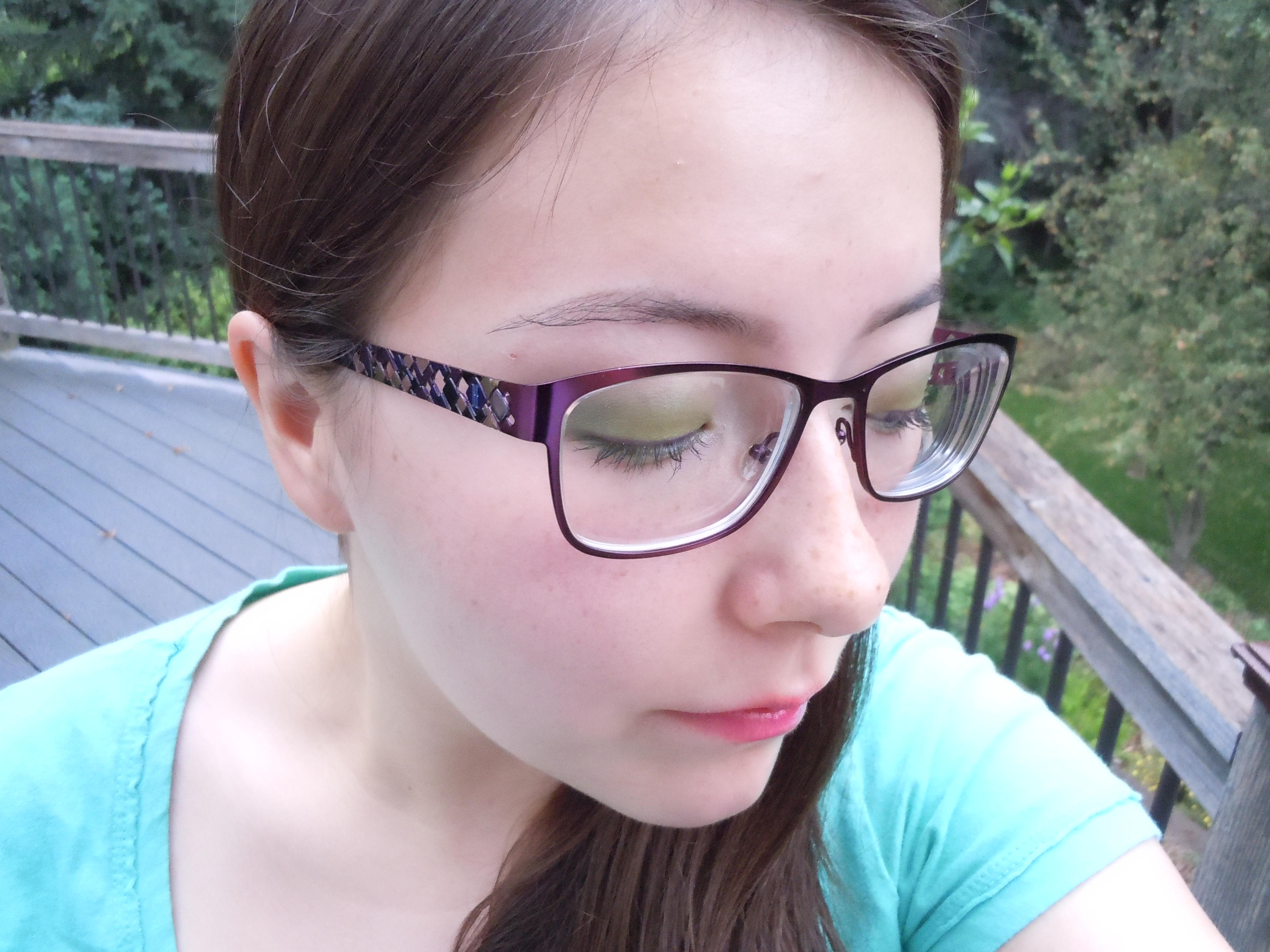 Do Glasses Make Your Eyes Smaller